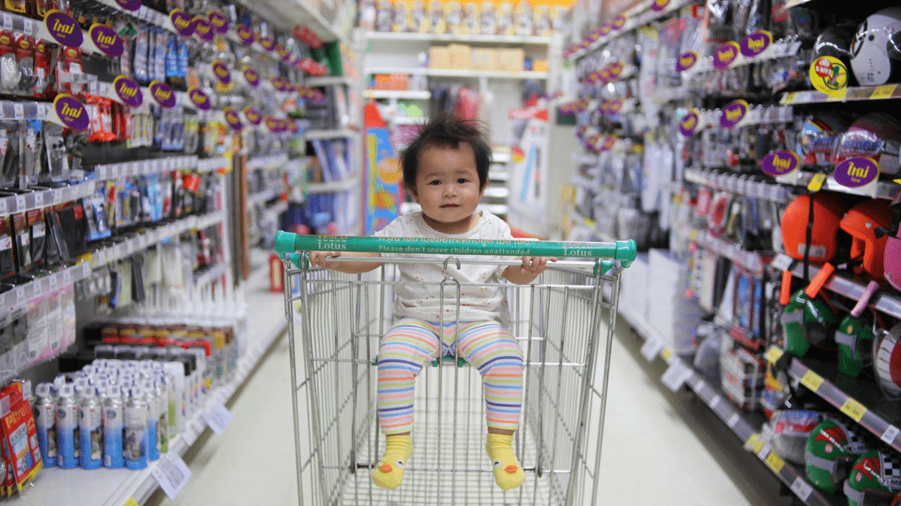 Child in shopping cart for buyers journey